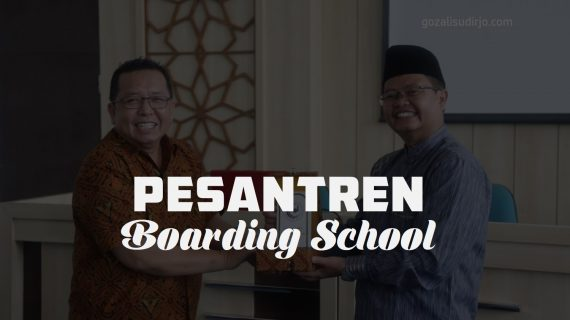 Perbedaan Pesantren dan Boarding School